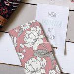 おしゃれに決めることができるメンズ用の手帳型iPhoneケースは市販も自作もたくさんある