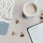 スマホケースを購入しよう!色々入る手帳型、シンプルなカバー型どっちが正解?